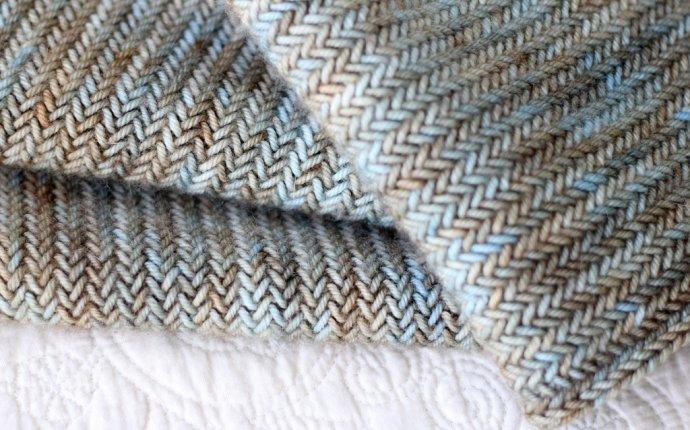 Узоры для шарфа спицами с примерами схем и фото
