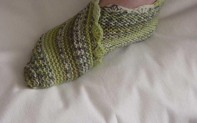 Вязаные носки спицами. Подборка из 17 моделей вязаных носков
